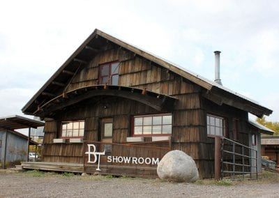 big-timberworks_showroom_gallatin-gateway-mt-1