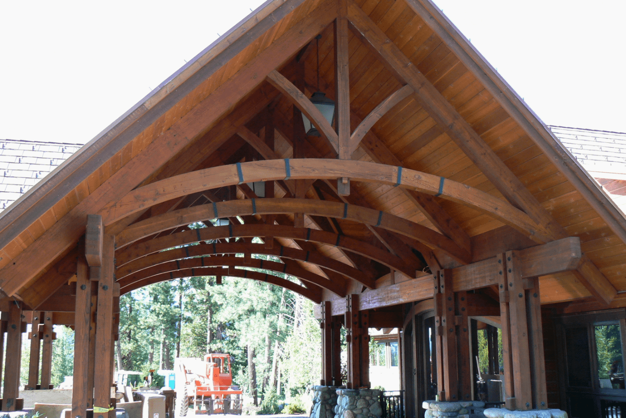 outdoor-exposed-timber-frame-arched-chord-trusses-for-garage