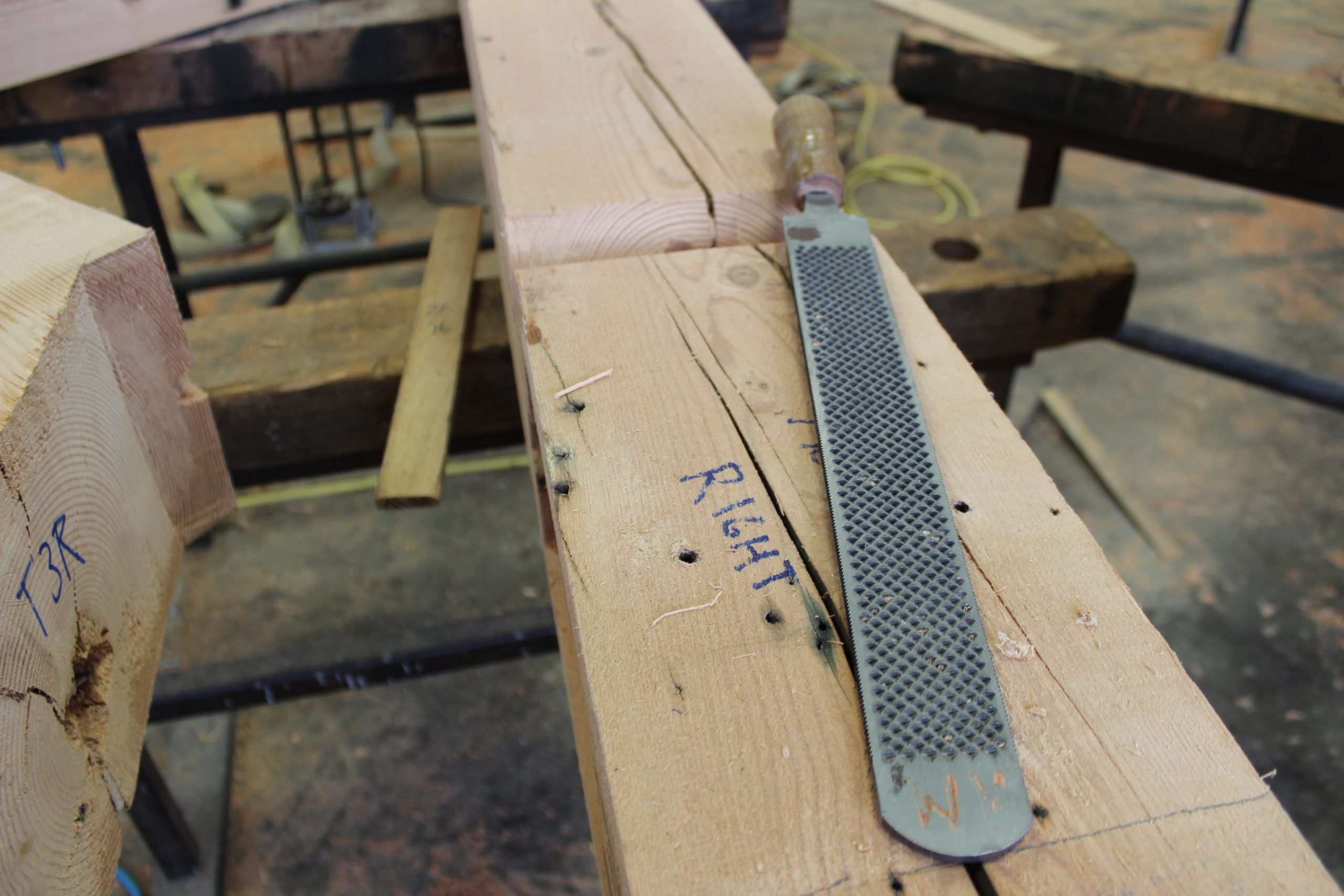 reclaimed-wood-structures-manufacturing-sanding